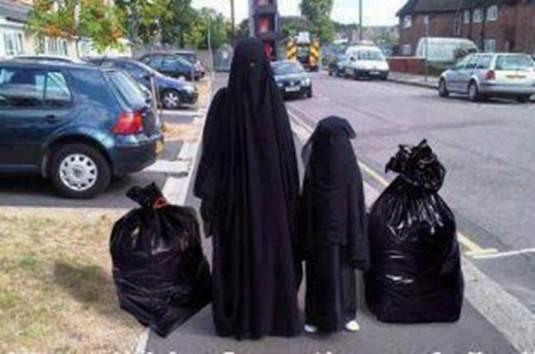 Veshjet e grave myslimane në vende të ndryshme! Frau-mit-3-kindern