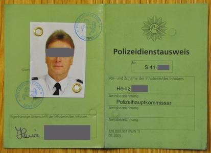 ein-dienstausweis-ist-kein-beamtenausweis